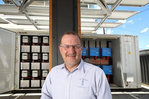 Simon Hackett with LSB reference platform at Base64 #7 1MB